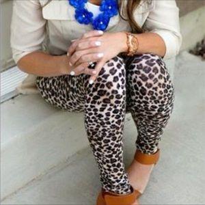 Pants - 🎉SALE🎉 Leopard Print Leggings